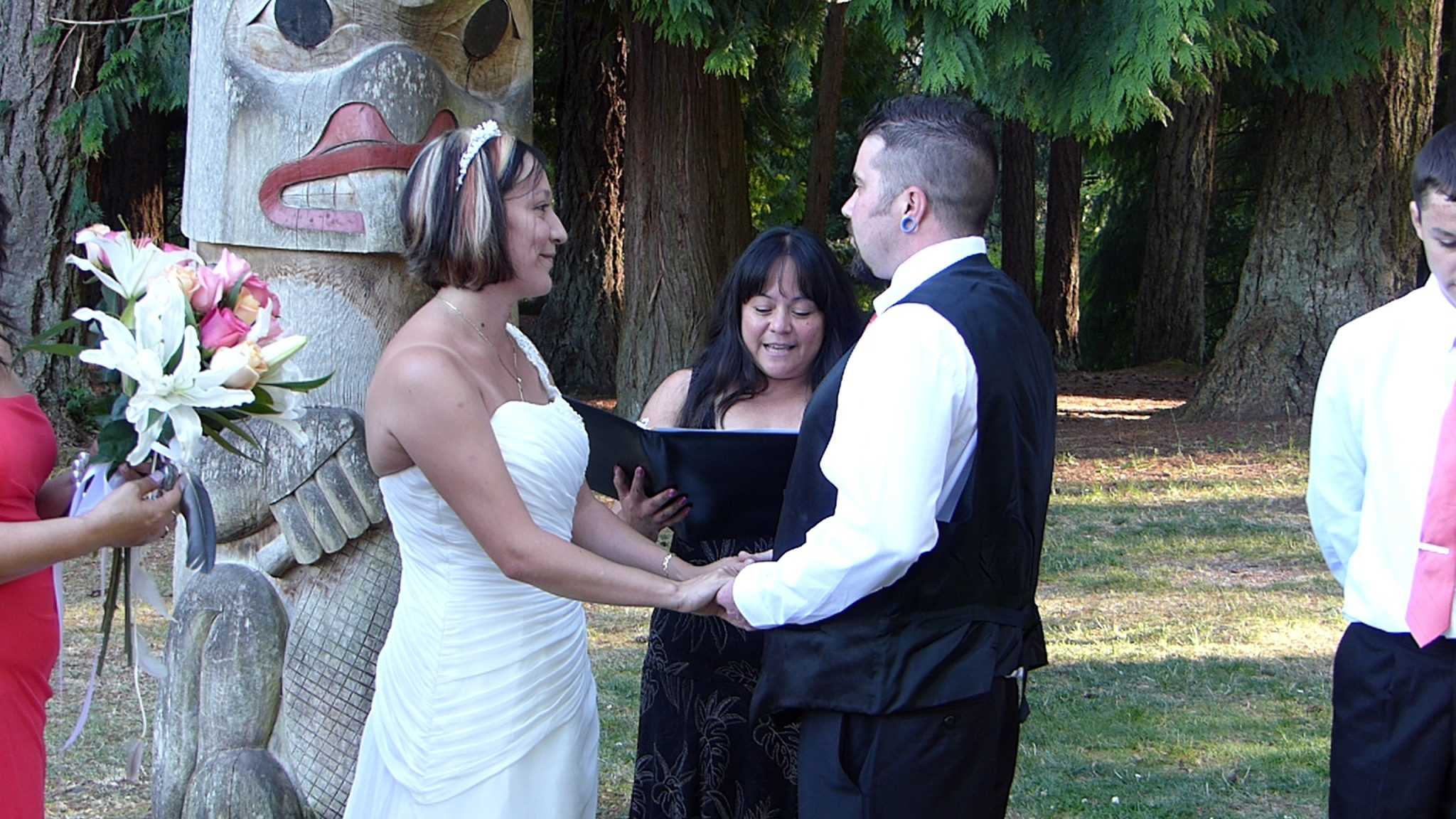 Wedding Officiant Minister Issaquah